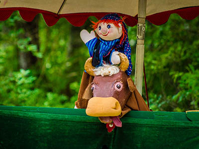 The Sandglass Theater presents Punschi as part of The Colonial Theatre's summer children's series in Bethlehem, NH every Wednesday during July and August.